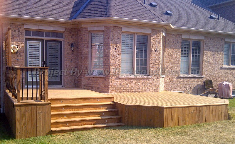 Matching Custom Decks to Your Home's Exterior